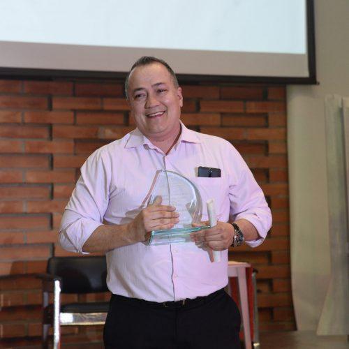 Estímulos y reconocimientos - Luis López de Mesa